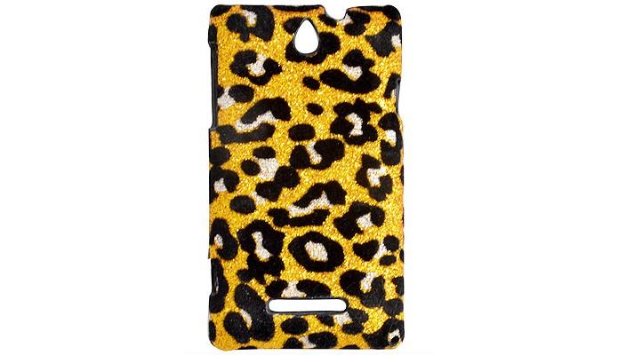 Em veludo e com estampa animal a capa da Coronitas Acessórios para Xperia E (Foto: Reprodução/Coronitas Acessórios)