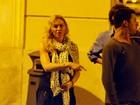 Com look despojado, Madonna passeia em Roma, na Itália