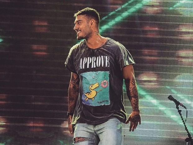 Lucas Lucco em show em Marília (SP) (Foto: Reprodução/Facebook/Lucas Lucco)