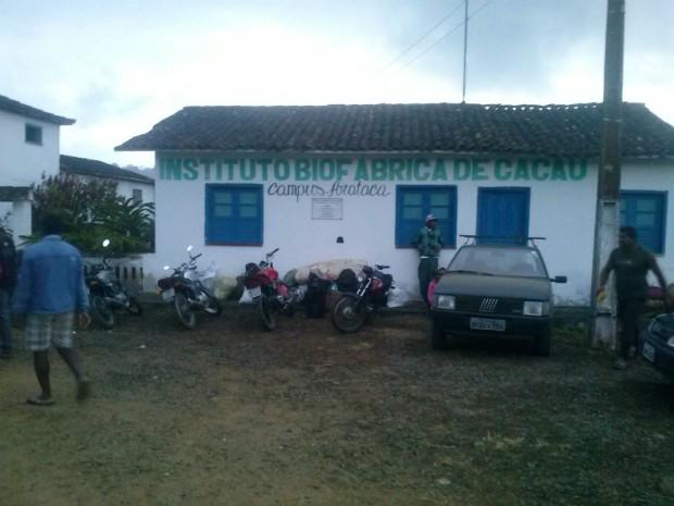 Cerca de 38 famílias estão acampadas em fazenda administrada pela Biofábrica (Foto: Isael Herculano de Santana/Aqruivo pessoal)