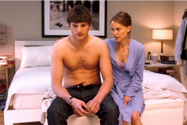 Ashton Kutcher e Natalie Portman em 'Sexo Sem Compromisso' (2011) (Foto: Reprodução)