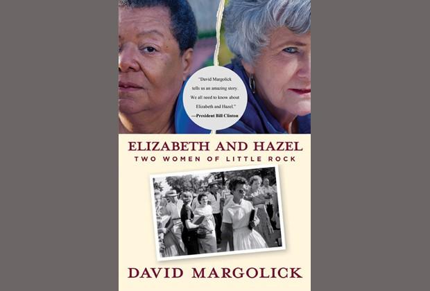 "A capa de ""Elizabeth and Hazel - Two Women of Little Rock"", que narra a vida das duas mulheres após a foto (Foto: Reprodução / Yale Press)"