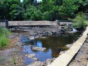 Rio Jeribucaçu onde está sendo realizada a captação de água para Itacaré (Foto: Divulgação/ Embasa)