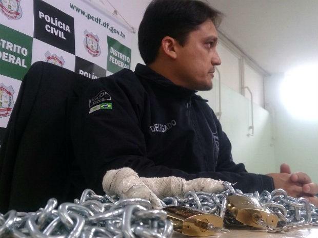 Delegado-chefe da 11ª Delegacia de Polícia (Núcleo Bandeirante), Victor Dan de Alencar (Foto: Mateus Rodrigues/G1)
