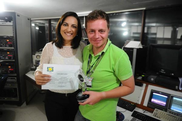 Eliane Gonçalves e João Lucas Cardoso, repórteres da RBS TV globoesporte.com/sc (Foto: Caio Marcelo/Agência RBS)