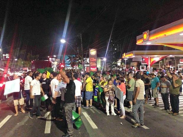Ato ocorre na Avenida Djalma Batista, em Manaus  (Foto: Indiara Bessa/ G1 AM)