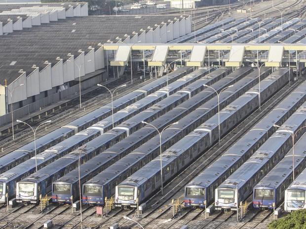 Trens parados no Pátio Jabaquara do Metrô de São Paulo na   manhã desta quinta-feira (05), na zona sul da cidade, devido à  greve (Foto: Marco Ambrósio/Estadão Conteúdo)