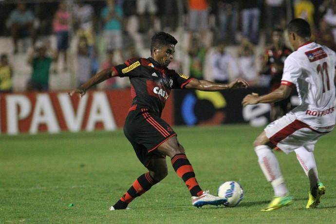 Almir, Salgueiro x Flamengo (Foto: Gilvan de Souza / Flamengo)