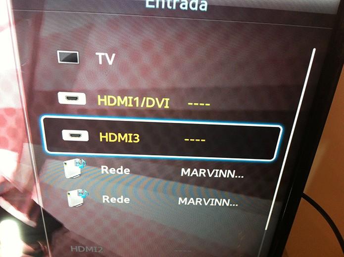 Configurando a TV para receber imagens do notebook e assistir o Netflix (Foto: Reprodução/Marvin Costa)