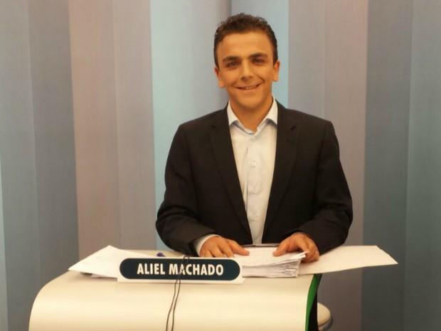 Aliel Machado (Rede) posicionado para o debate do 2º turno em Ponta Grossa  (Foto: Alana Fonseca)
