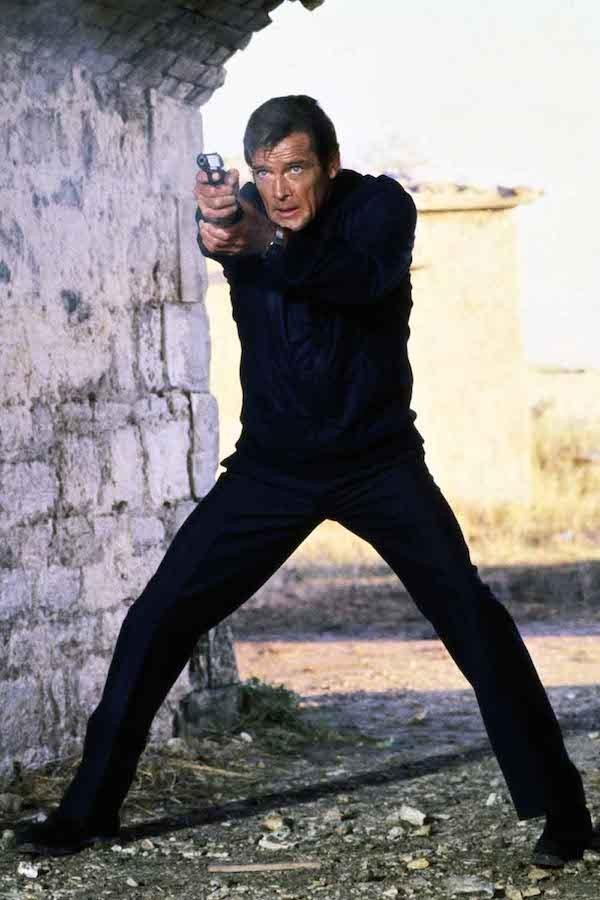 Roger Moore no papel de James Bond (Foto: Reprodução)