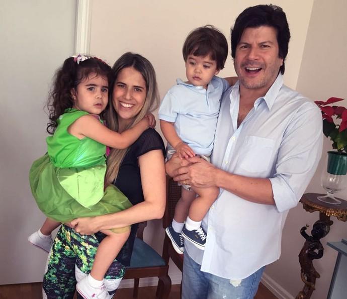 Paulo Ricardo com a esposa Gabriela Verdeja e os filhos Isabela e Luís Eduardo (Foto: Arquivo pessoal)