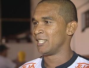 Badinho, atacante do Aracruz (Foto: Reprodução/TV Gazeta)