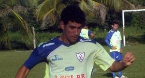 Lineker meia do Águia durante treino (Foto: Divulgação/Site oficial do Águia)