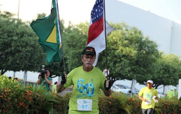 Pessoas de todas as idades participam da disputa (Foto: Marcos Dantas/ Globoesporte.com)
