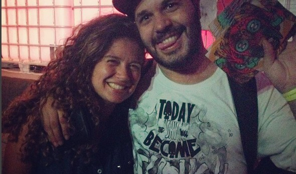 Milena Souza aproveitou e tietou o rapper carioca De Leve (Foto: Arquivo Pessoal/ Milena Souza )