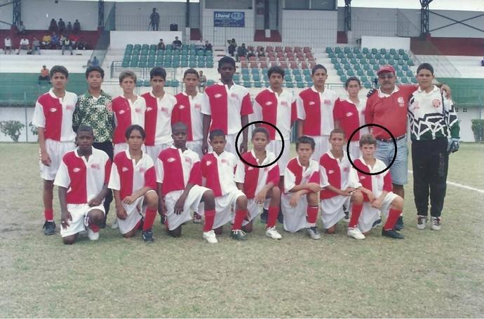 Virgilio Souza Pinto, à direita, jogou com o atacante André, do Sporting, na infância (Foto: Arquivo pessoal)