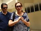 Sônia Abrão se despede do primo Chorão em velório: 'Ele era especial'