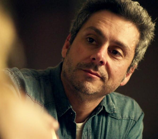 O protagonista da trama, Romero Rômulo (Alexandre Nero), promete! (Foto: TV Globo)