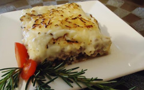 Moussaka: lasanha turca com carne moída e berinjela