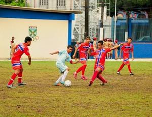 Futebol juvenil nos JEA's (Foto: Michael Dantas/Sejel)