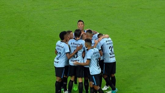 """Empolgado e emocionado, Abel elogia time e torcida: """"Provaram que há alma tricolor"""""""