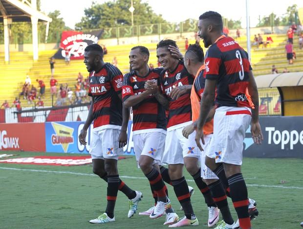 Jogadores Fla comemoram contra Boavista