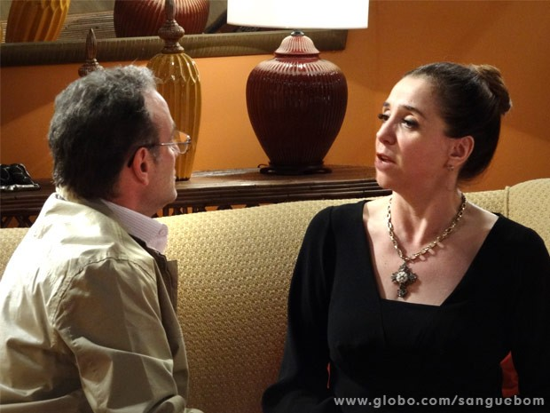 Wilson ouve as ameaças da ex-mulher (Foto: Sangue Bom/ TV Globo)