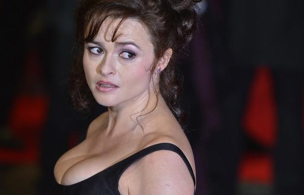 Helena Bonham Carter em première de filme em Londres, na Inglaterra (Foto: Reuters/ Agência)