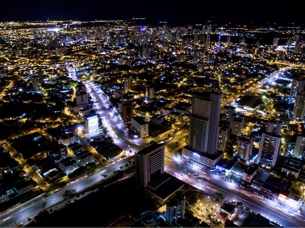 Cuiabá vista do alto durante a noite (Foto: Drone Cuiabá)
