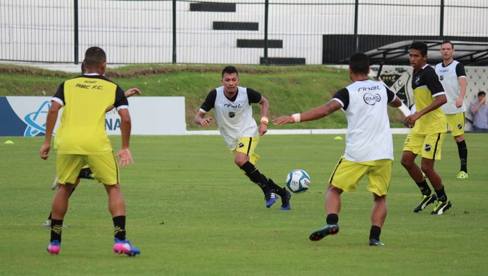 Chiclete meia ABC treino (Foto: Andrei Torres/ABC)