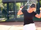 Tânia Mara posa para o EGO e mostra as curvas que conquistou com o tênis