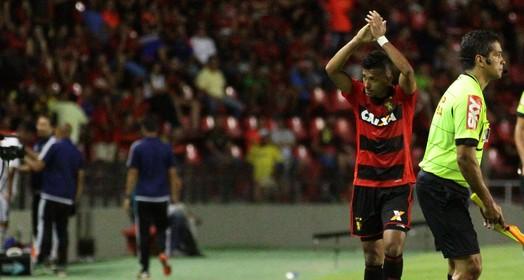 a luta continua (Marlon Costa / Pernambuco Press)