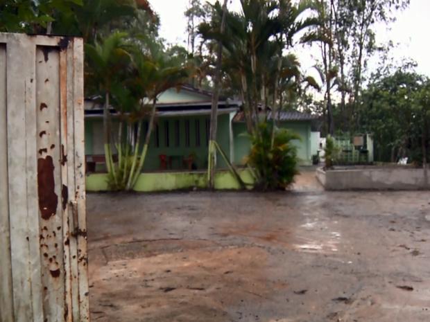 Polícia encontrou três menores em casa de prostituição em Pouso Alegre (Foto: Reprodução EPTV)