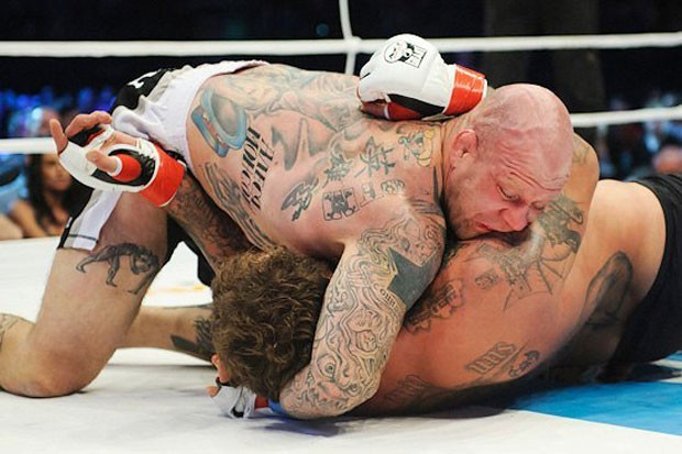 MMA Jeff Monson e Aleksander Emelianenko (Foto: Site oficial da M-1 Global.)
