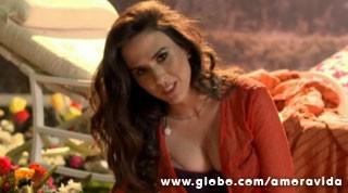 Valdirene colocou toda a sensualidade para fora  (Foto: Amor à Vida/TV Globo)