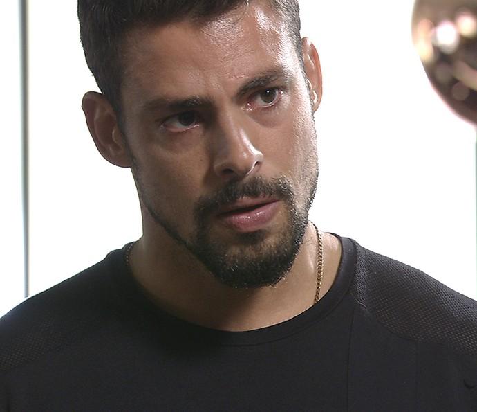 Juliano conta que a morte não passou de um plano de Romero (Foto: TV Globo)