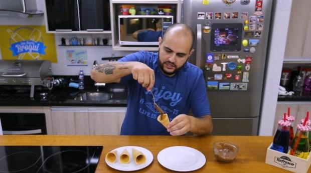 Caio Novaes é um dos pioneiros do segmento de vídeos culinários no YouTube e hoje tem mais de 2,5 milhões de seguidores em seu canal (Foto: Reprodução/Agência Estado)