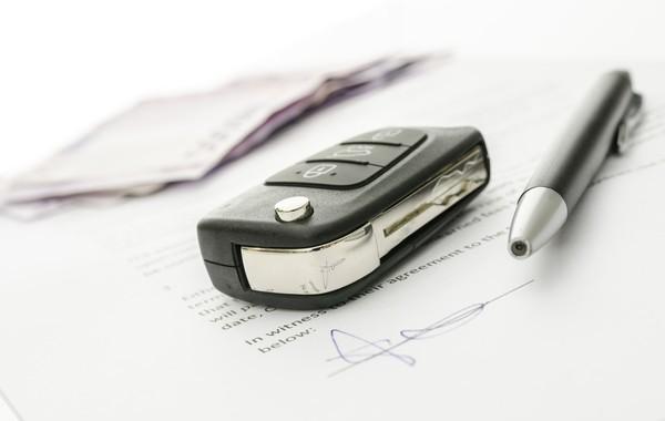 Guia da documentação na compra e venda de veículos (Foto: Gajus/Thinkstock)