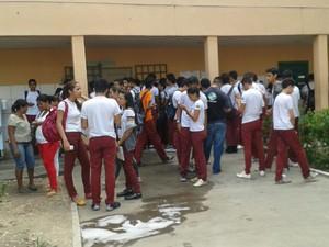 Merendeira foi esfaqueada pelo marido dentro do Liceu Piauiense, Centro de Teresina (Foto: Gilcilene Araújo/G1)