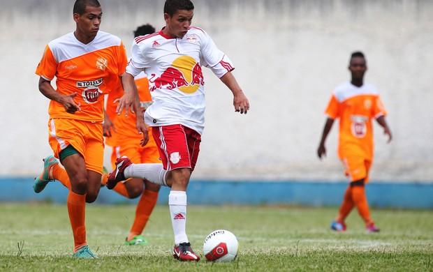 O lateral Dênis foi um dos destaques do RB Brasil na partida contra o Atibaia, pela Copa São Paulo de Futebol Júnior (Foto: Divulgação/RB Brasil)
