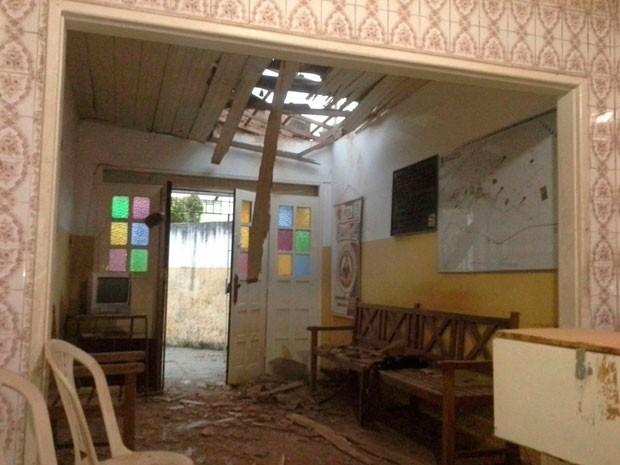 Sede da PM de Amélia Rodrigues foi atacada com dinamites (Foto: Arquivo Pessoal)