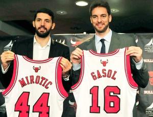 Nikola Mirotic e Pau Gasol apresentação Chicago Bulls