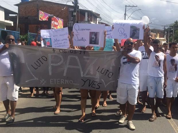 Familiares e amigos do compositor fizeram caminhada pedindo paz  (Foto: Jorge Maurício Silva dos Santos/ Arquivo Pessoal)