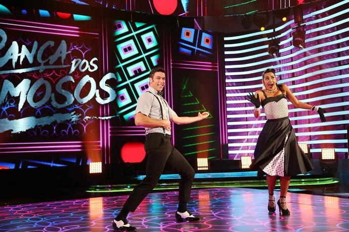 Marcelinho dança Elvis Presley no 'Domingão' (Foto: Carol Caminha/Gshow)