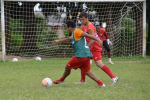 Galvez realiza primeiro coletivo, antes do Campeonato Acreano (Foto: Quésia Melo)