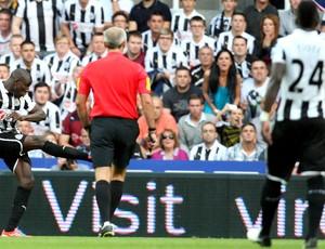 Demba Ba Newcastle Tottenham (Foto: AP)