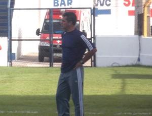 Vinícius Saldanha está invicto no comando do São José (Foto: Bruno Alves)