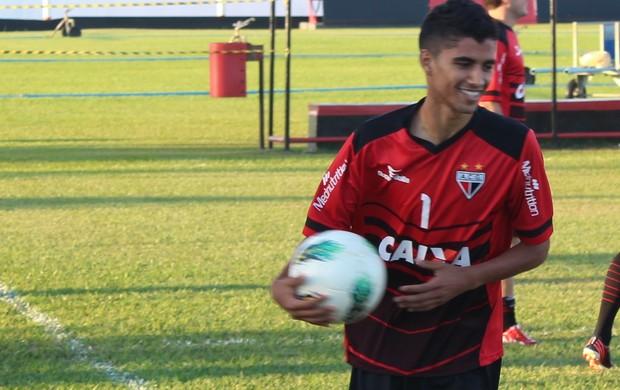 Jorginho - meia Atlético-GO (Foto: Fernando Vasconcelos)
