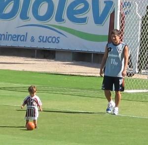 Conca e filho nas Laranjeiras (Foto: Hector Werlang)
